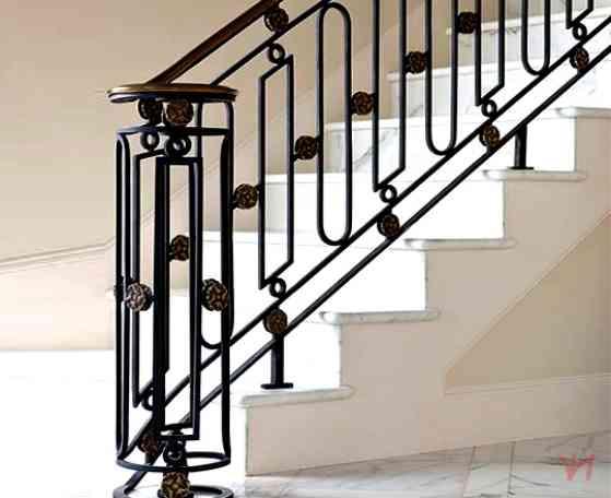 Mẫu cầu thang sắt đơn giản họa tiết đẹp