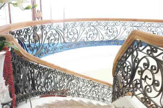Những mẫu cầu thang sắt nghệ thuật đáng sở hữu