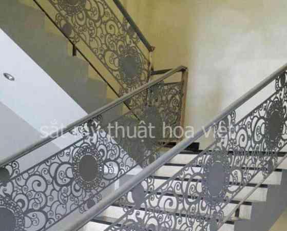 cầu thang sắt xương cá nghệ thuật đẹp