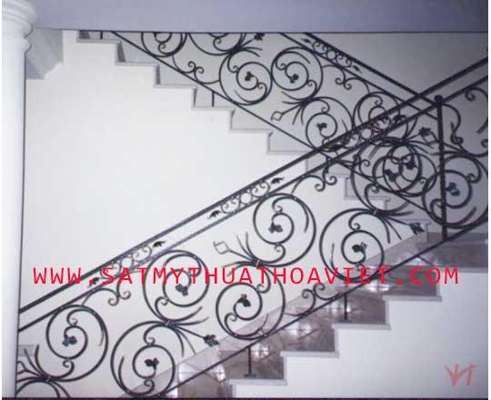 mẫu lan can cầu thang sắt nghệ thuật tay vịn sắt