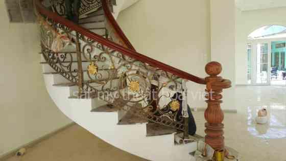 Mẫu cầu thang sắt xoắn ốc nghệ thuật