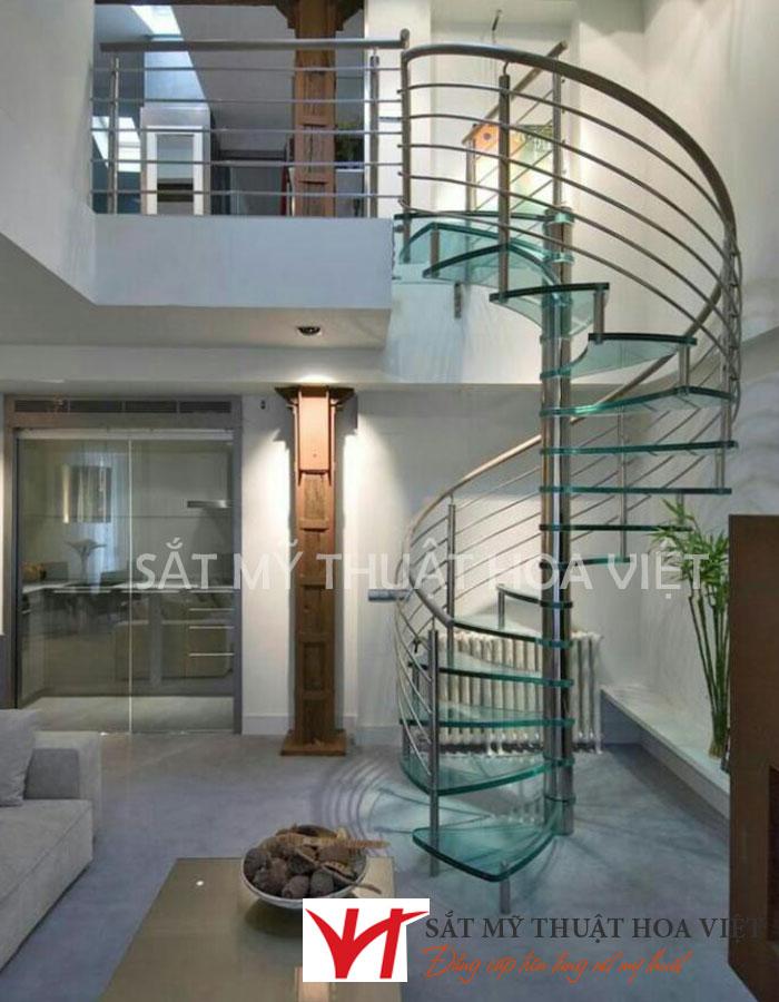 Cầu thang sắt đơn giản dành cho nhà có diện tích nhỏ dạng xoắn ốc