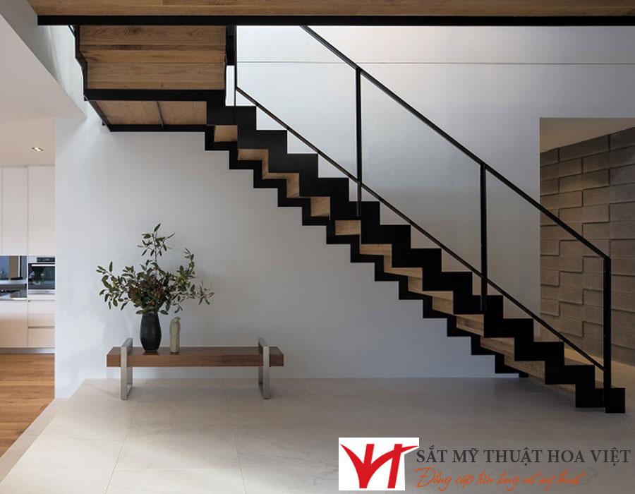 Cầu thang sắt đơn giản dành cho nhà có diện tích nhỏ hình xương cá