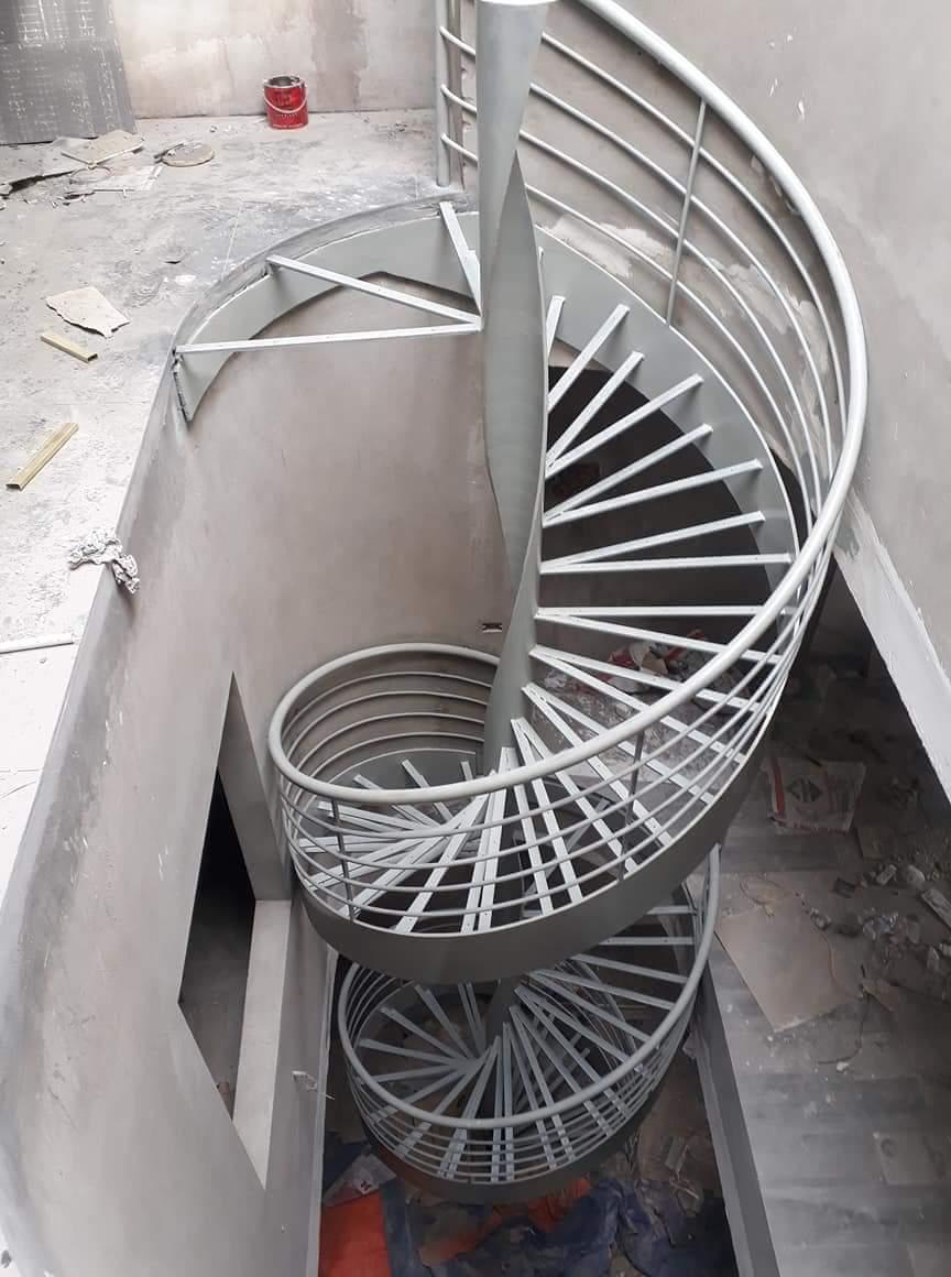 Tất tần tật về cầu thang sắt thoát hiểm mà bạn cần biết