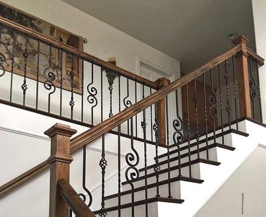 Cầu thang sắt nhà phố đẹp NP008