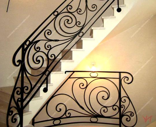 Cầu thang sắt đơn giản DG001