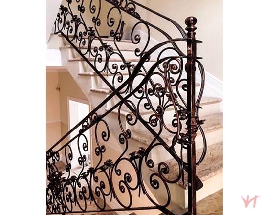 Cầu thang bằng sắt cách điệu CD001