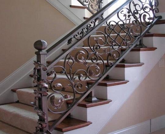 Cầu thang sắt nhà phố đẹp NP010